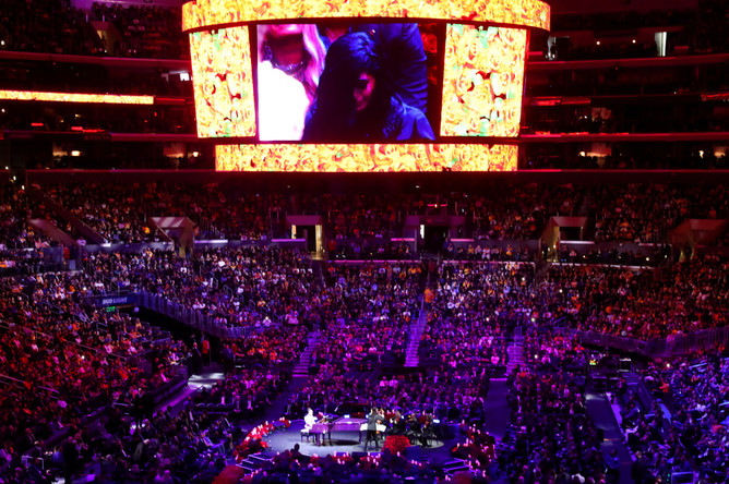 Во время церемонии прощания с Коби Брайантом в Лос-Анджелесе, 24 февраля 2020 года