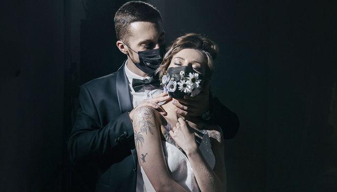 «До смерти хотелось»: как проходят свадьбы в условиях карантина