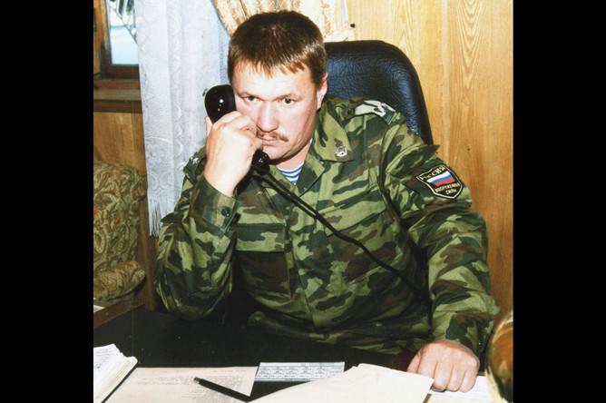 Командир парашютно-десантного полка российских миротворческих сил в Абхазии, подполковник Валерий Асапов, 2001 год