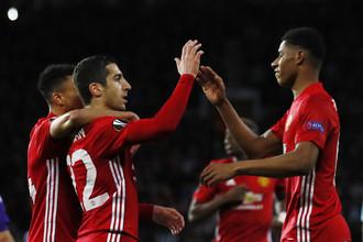 Футболисты «Манчестер Юнайтед» празднуют гол в ворота «Андерлехта»