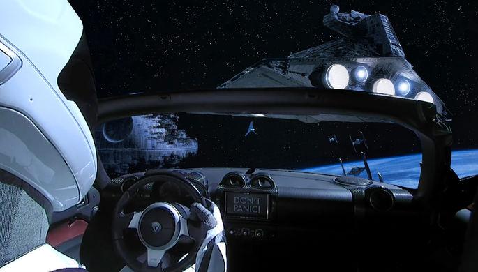 Tesla Roadster Илона Маска в одной из серий саги «Звездные войны» (коллаж)