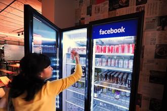 Количество уникальных пользователей социальной сети Facebook в США снизилось