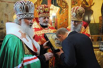 РПЦ разрешила священникам участвовать в выборах и бороться с антиклерикалами