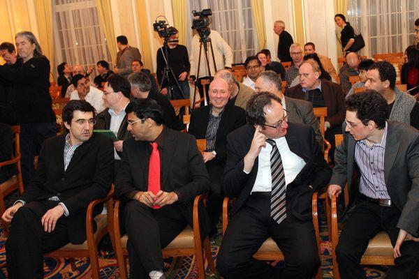 Участники турнира (слева направо): Крамник, Ананд, Гельфанд, Каруана