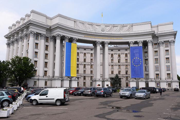Украина выразила России протест из-за призыва на военную службу жителей Крыма