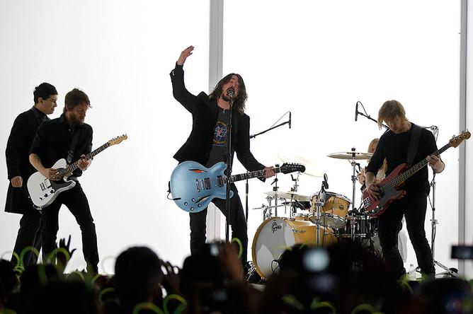 Выступление группы Foo Fighters