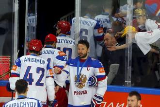 «Хоккейная сборная нуждается в добром слове»