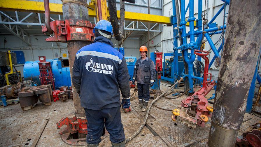 Рабочие на газонефтеконденсатной разведочной станции на Чаяндинском газовом месторождении в Ленском районе Якутии
