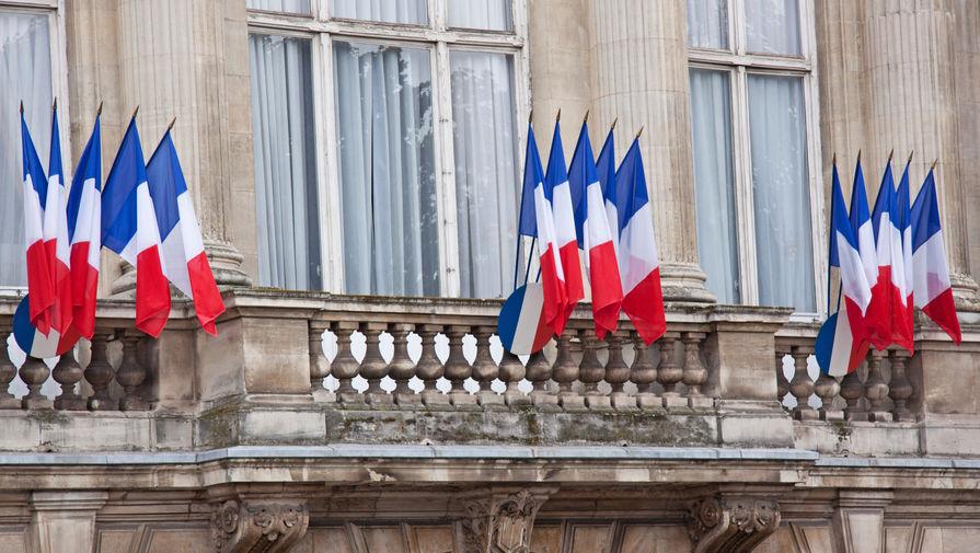 Франция отменила традиционное торжество в США после решения по подлодкам
