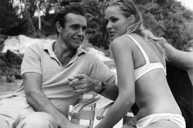 Шон Коннери и Урсула Андресс на съемках фильма «Доктор Ноу», 1962 год