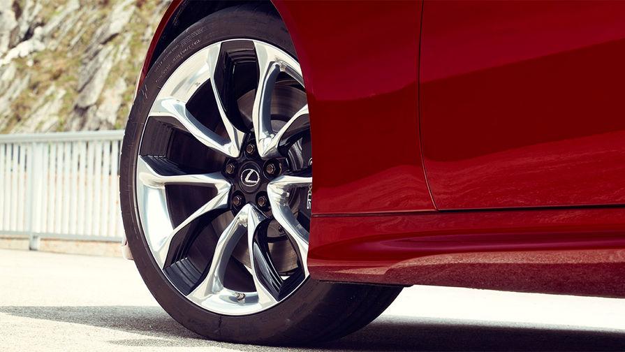 В основе купе модульная платформа GA-L. LC 500 — первый Lexus, построенный на этом шасси