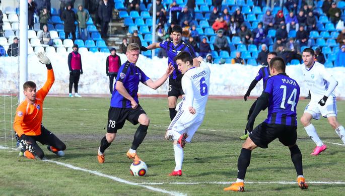 Капитан «Спартака» Денис Глушаков в матче с «Тосно»