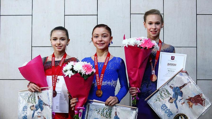 Российские фигуристки Камила Валиева, Софья Самоделкина и Майя Хромых (слева направо)