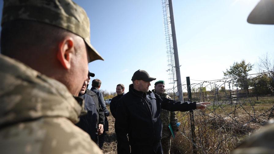 На Украине пообещали отгородиться стеной от России и Белоруссии
