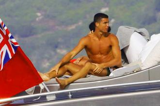 Криштиану Роналду был застигнут налоговыми органами врасплох во время отдыха на яхте