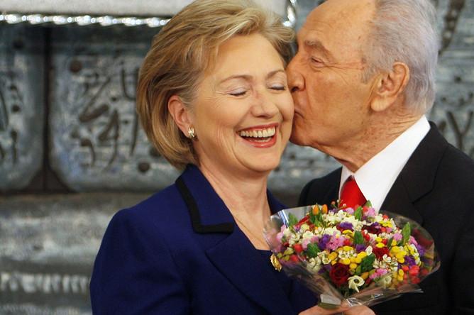 Хиллари Клинтон и Шимон Перес, 2009 год