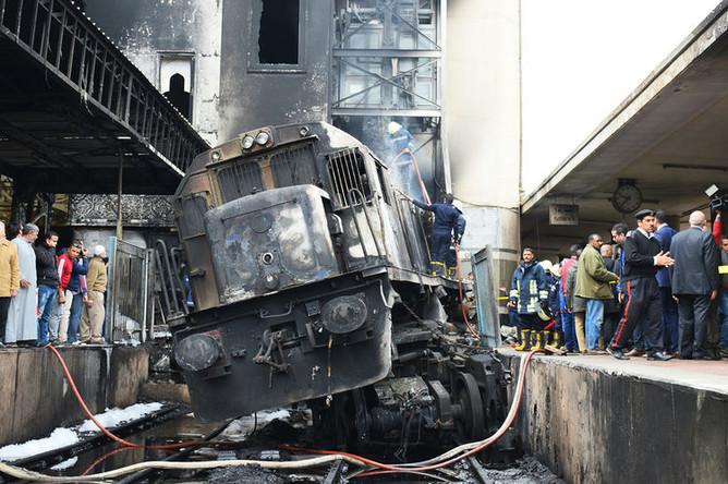 Последствия взрыва поезда на железнодорожном вокзале в центре Каира, 27 февраля 2019 года
