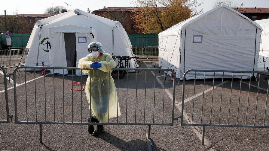 Полевой госпиталь для зараженных коронавирусом в Кремоне, Италия, март 2020 года