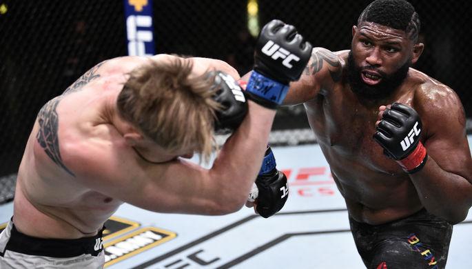 Крис Дакас после победы над Алексеем Олейником в поединке на UFC Fight Night: Blaydes vs. Lewis