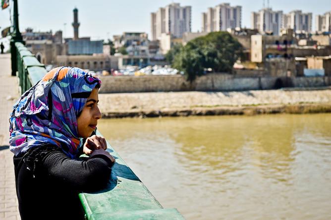 На реке Тигр в центре Багдада затонул плавучий ресторан с 80 людьми на борту