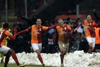 «Галатасарай» празднует победный мяч Уэсли Снейдера