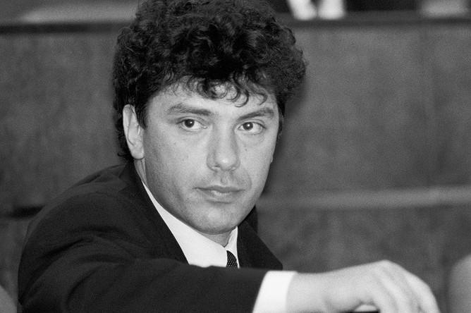 Борис Немцов в зале заседаний Совета Федерации