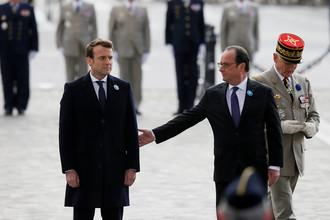 Эммануэль Макрон и Франсуа Олланд, май 2017 года