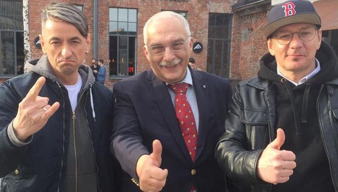 Александр Друзь и участники группы «Кирпичи»