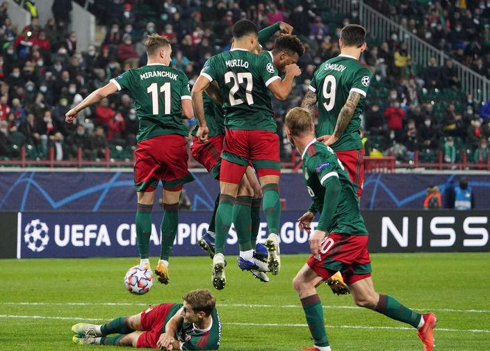 Во время матча второго тура группового этапа Лиги Чемпионов УЕФА сезона 2020/21 между ФК «Локомотив» (Москва, Россия) и ФК «Бавария» (Мюнхен, Германия), 27 октября 2020 года