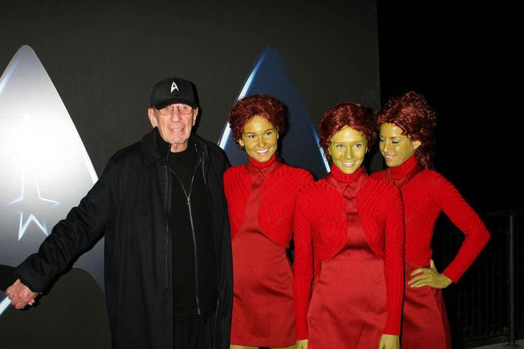 Леонард Нимой на вечеринке в честь выхода «Звездного пути» на дисках Blu-Ray в Лос-Анджелесе, 2009 год