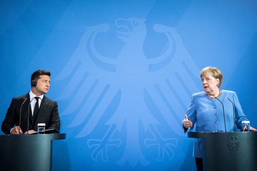 Меркель заявила о необходимости сохранения транзита российского газа через Украину