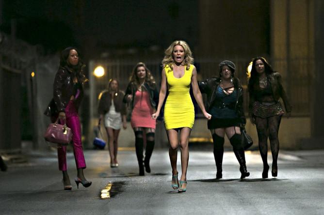 В российском прокате идет фильм «Блондинка в эфире» с ... адам сэндлер комедии