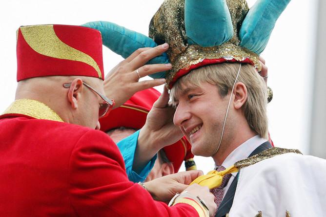 Евгений Плющенко на карнавале «Блистай и ликуй, Петербург карнавальный», 2006 год
