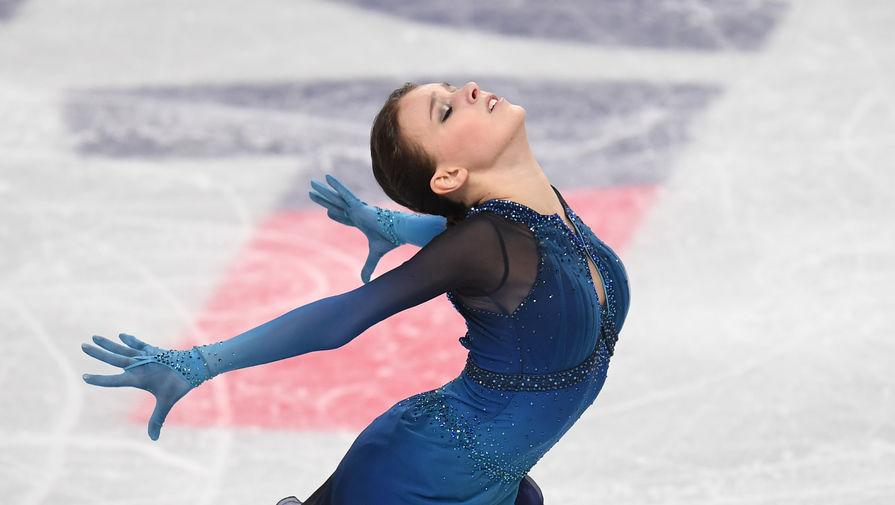 Анна Щербакова выступает с короткой программой в женском одиночном катании на чемпионате России по фигурному катанию в Челябинске.