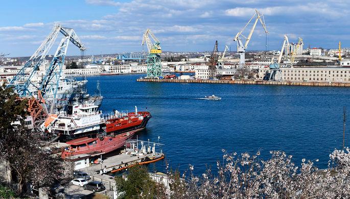За Крым: Украина заочно арестовала 32 корабля