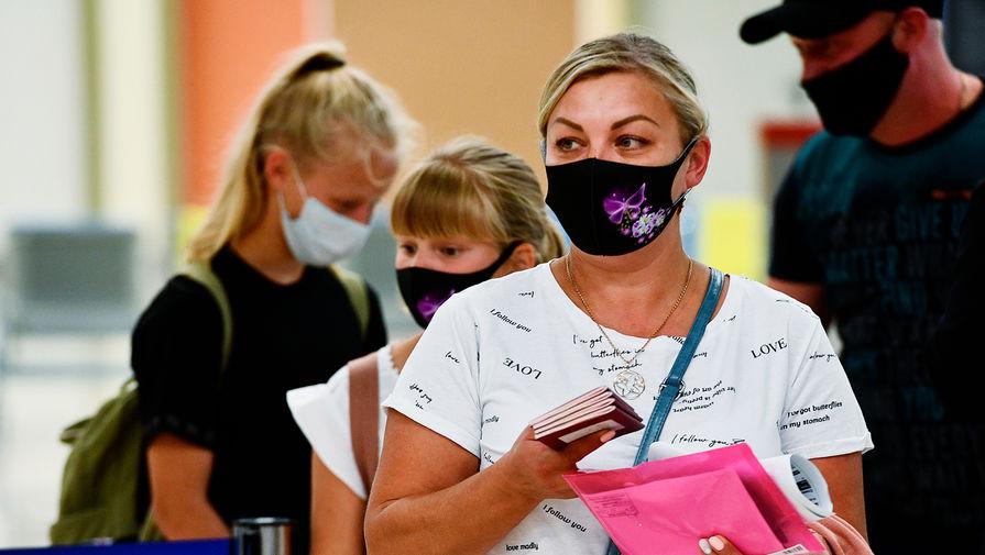 Свыше 60 нарушителей масочного режима выявили в ТЦ на юго-западе Москвы