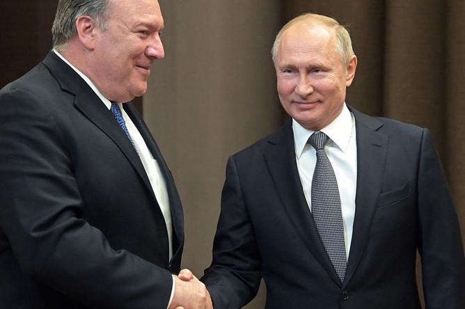 Президент России Владимир Путин и госсекретарь США Майк Помпео во время встречи в Сочи, 14 мая 2019 года