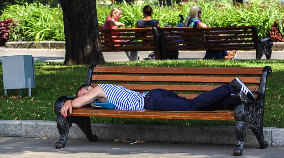 https://img.gazeta.ru/files3/961/9742961/sleep.jpg