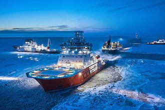 Ледокол «Андрей Вилькицкий'' у нефтеналивного терминала ''Ворота Арктики»