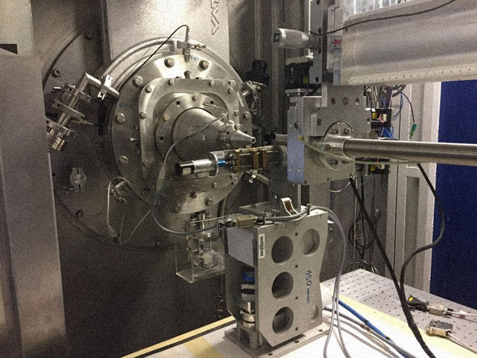 Экспериментальная установка для одновременных измерений механических и структурных параметров