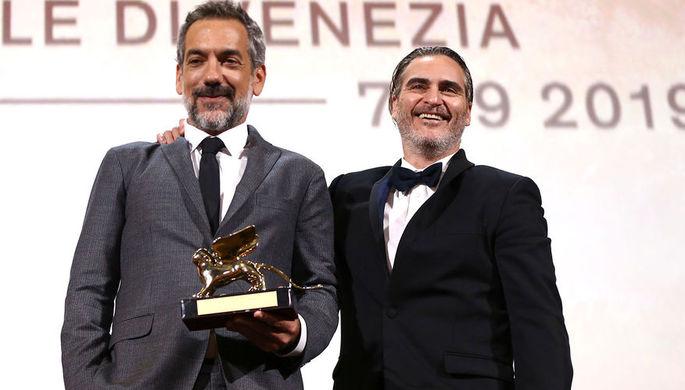 Тодд Филлипс и Хоакин Феникс c призом 76-го Венецианского кинофестиваля