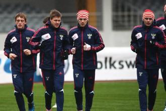 Футболисты молодежной сборной России на предматчевой тренировке в Екатеринбурге