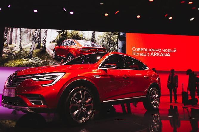 Автомобиль Renault Arkana на Московском международном австосалоне, 29 августа 2018 года