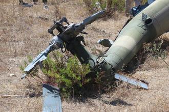 Место крушения российского вертолета Ми-8 на территории Сирии в 2015 году