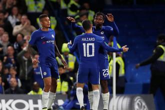 Игроки «Челси» празднуют гол в ворота «Ноттингема»