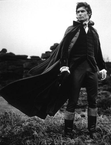 В 1968 году Тимоти Далтон получил роль в телефильме «Лев зимой». Этот проект стал первым из трех картин телеканала «Би-Би-Си» с его участием на историческую тему, двумя другими были «Кромвель» и «Грозовой перевал». На фото: Далтон в фильме «Грозовой перевал» (1970)