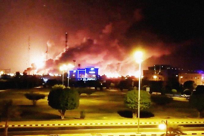 Пожар на нефтяном месторождении компании Saudi Aramco в Саудовской Аравии, 14 сентября 2019 года