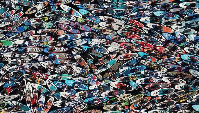Участники ежегодного международного фестиваля SUP-серфинга «Фонтанка-SUP – 2020»