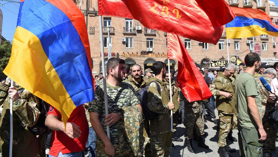 В Ереване начался траурный марш в память о погибших в Карабахе