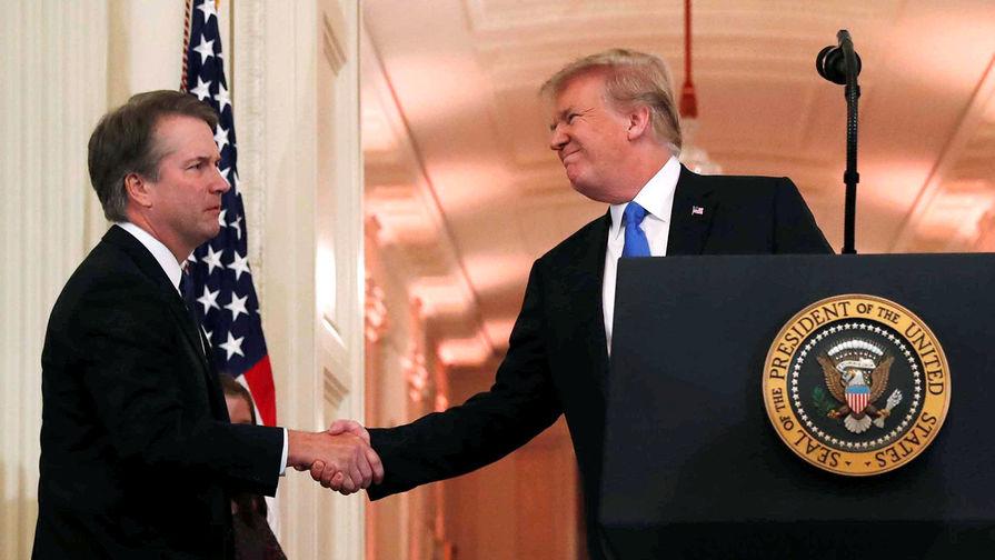 Бретт Кавано и Дональд Трамп в Белом доме, 9 июля 2018 года